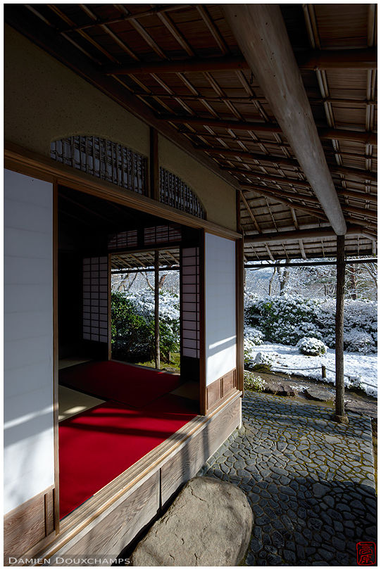 Tea room in winter, Okochi-sanso villa, Kyoto