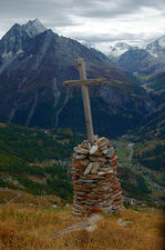 Cross over the Val d'Herens