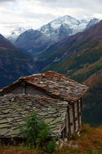 Mazot under the Pigne d'Arolla