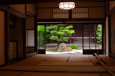 Traditional Japanese room with view on zen garden, Shinyo-do temple (1/2)