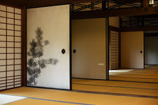Sliding doors decorated with pine motifs, Shinyo-do in temple
