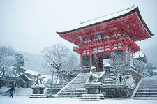 Entrance gate of Kiyomizudera temple during snow storm, Kyoto, Japan