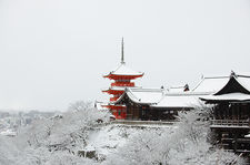 Snow-covered Kiyomizu-dera temple, Kyoto, Japan