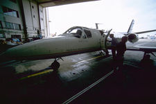 Preparing the test aircraft before the IWAKE flight tests
